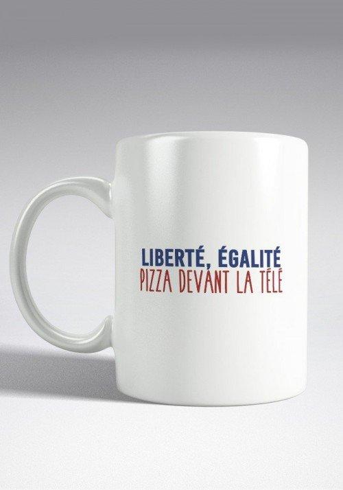 Liberté égalité Pizza devant la télé Mug